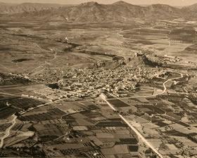 Castillo y población de Sax (Alicante). Paisajes Españoles. IPHE